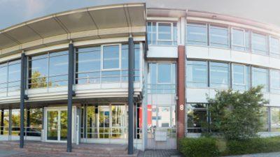 Außenansicht eines runden Gebäudes