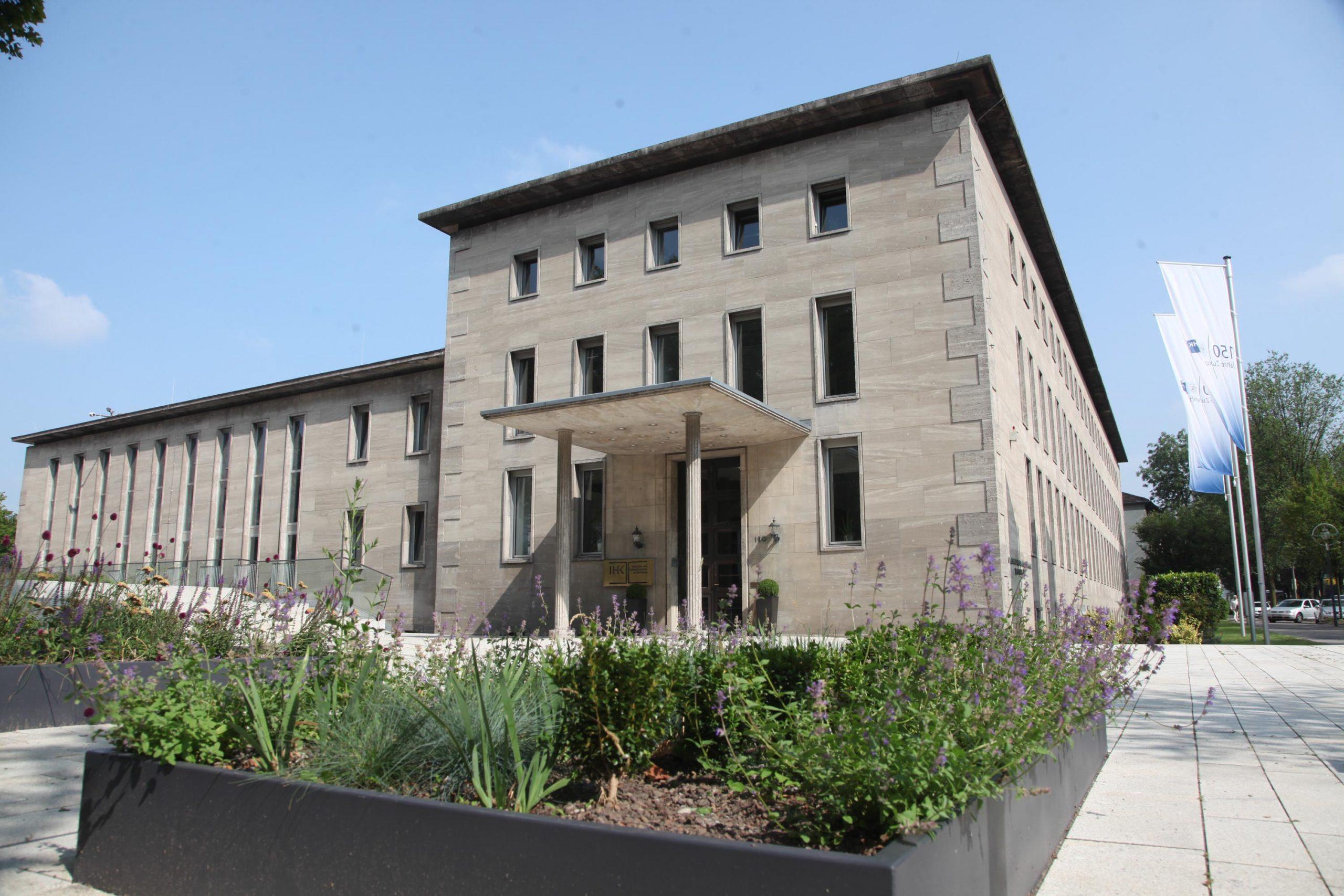 Außenansicht des Gebäudes der IHK